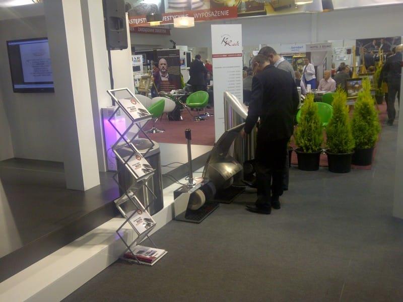 Stoisko Heute, prezentacja maszyny do czyszczenia butów